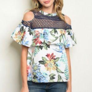 Tops - ARRIVED! Feminine Floral top!